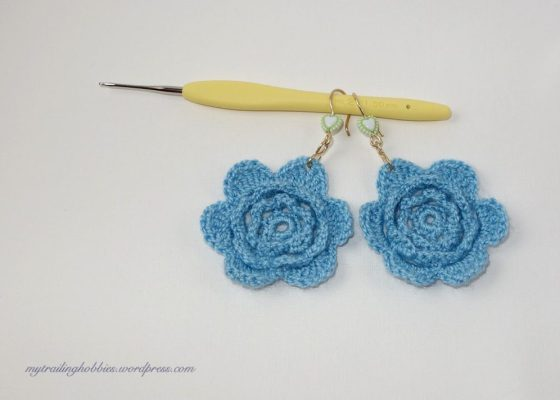 Crochet Earrings - Blue Flowers (c)mytrailinghobbies.wordpress.com