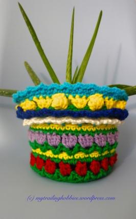 crochet flower pot sweater - crochet plant sweater (c)mytrailinghobbies.wordpress.com