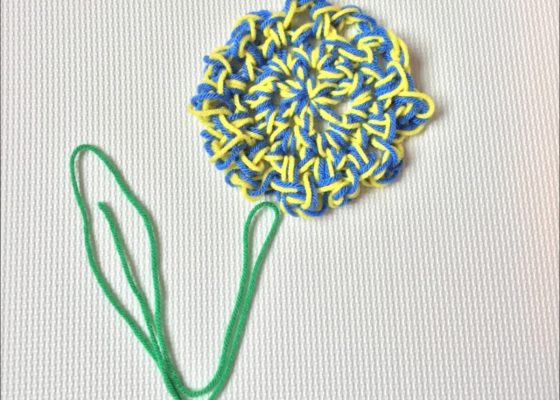 finger crochet flower coaster (c)mytrailinghobbies.wordpress.com